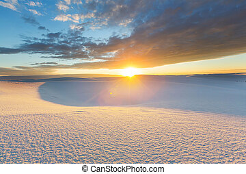 White sands - Unusual White Sand Dunes at White Sands ...