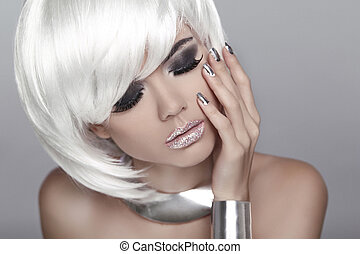 White Short Hair. Eye makeup. Fashion Blond Girl. Beauty Portrai