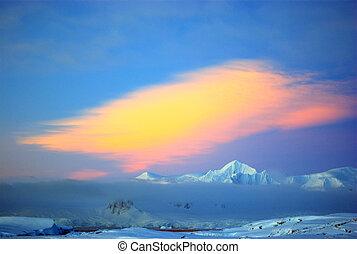White snowcapped mountain