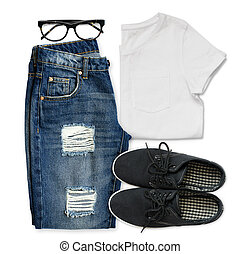 White t-shirt, blue boyfriend jeans, glasses and black textile shoes