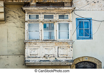 white vintage balcony in Valletta