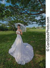 White Wedding Dress Fashion