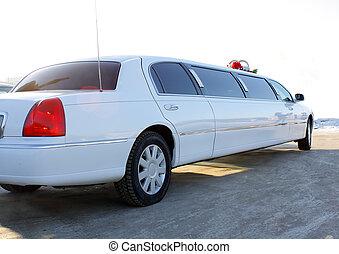 white wedding limousine - White long wedding limousine...