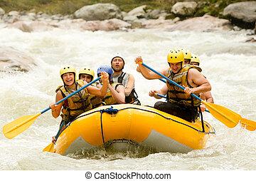 whitewater の いかだで運ぶこと, 冒険