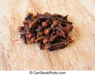 cloves - whole cloves on paperbark background 2005-05-03...
