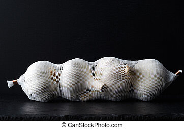 Whole Garlic Bulbs in String Bag