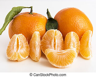 Whole tangerine or clementine and six peeled segments
