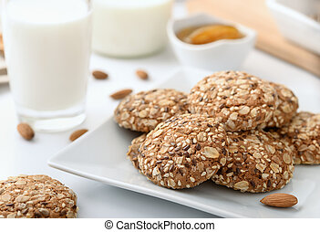 Wholegrain biscuits milk and almonds