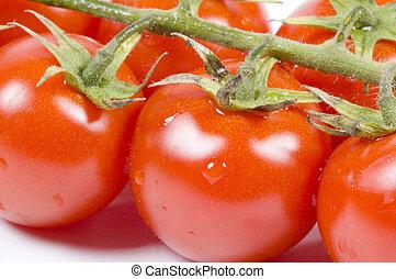 wiśniowe pomidory