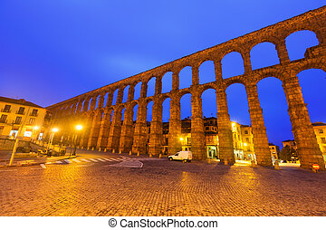 wide angle shot of Roman Aqueduct in morning