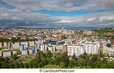 Wide view of Edinburgh skyline - Edinburgh skyline and ...