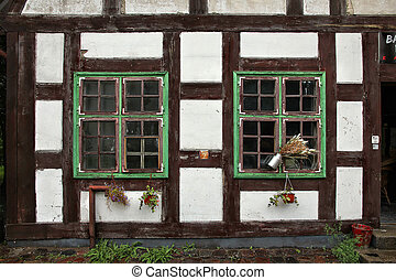 Widows of half-timbering medieval house. - Widows of half-...