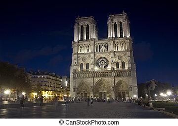 wieczorny, paryż