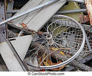 wiel, van, een, fiets, in, de, container, van, verschroten...