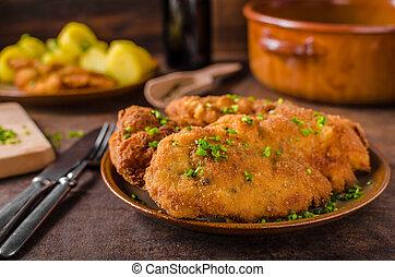 Wiener schnitzel with potatoes
