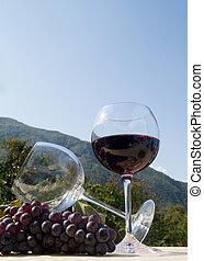 wijnglas, rode druiven