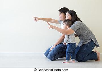wijzende, gezin, weg, op, het kijken, aziaat, vrolijke