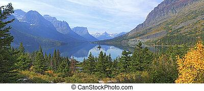 Wild Goose Island and St. Mary Lake, Glacier National Park, Montana.