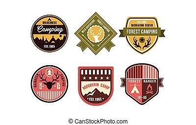 wildernis, kamperen, retro, logo, kentekens, set, rendier, kamperen, boszwerver, bergkamp, ontspanning, centrum, ouderwetse , etiketten, vector, illustratie, op, een, witte achtergrond
