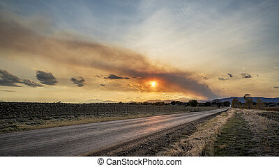 Wildfire smoke plume over Fort Collins and Rocky Mountains ...
