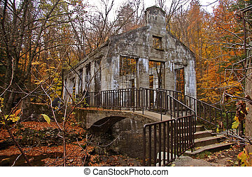 Wilison Ruins - Ruins located on Meech Lake trail in...