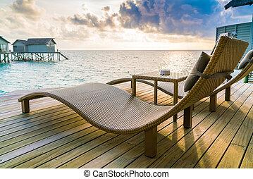 willa, podłoga, krzesła, wyspa, pokład, dwa, woda, drewniany, zachód słońca, czas