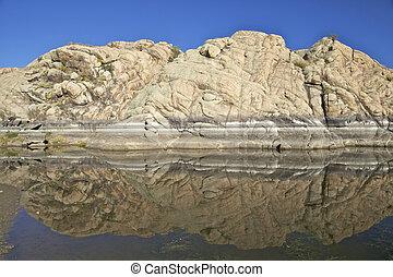 Willow lake, Prescott Arizona - the granite dells along the ...