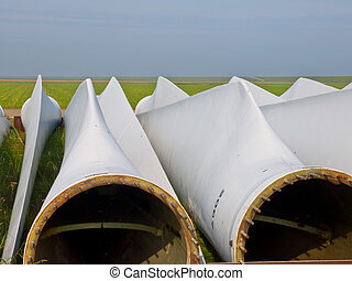 wind turbine blades awaiting assembly - wind turbine blades...