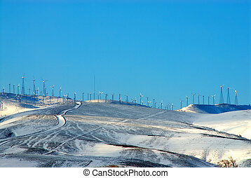 windfarm, på, snowcovered, mountains, av, kalifornien, usa