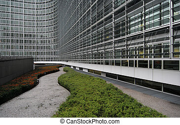 Berlaymont - Winding path at the foot of the Berlaymont...