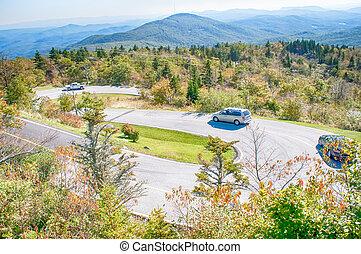 winding road on grandfather mountain north carolina