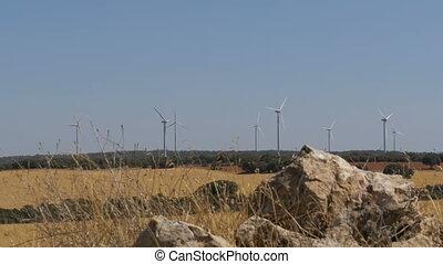windkraftwerke, auf, a, hintergrund, von, stein, in, der, wüste, von, spanien