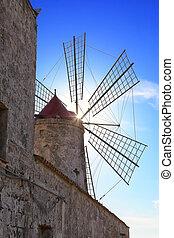 Windmill for grinding sea salt