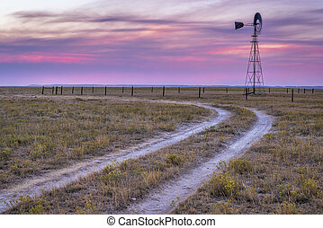 windmill in Colorado prairie - windmill with a pump in ...