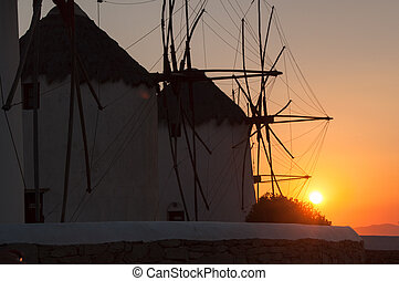 windmolen, ondergaande zon , mykonos