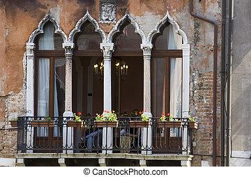 Window architecture in Venice