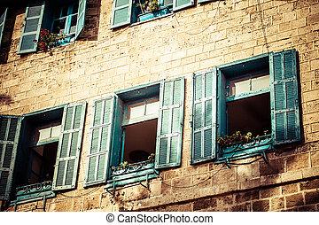 windows, en, edificio viejo, en, israel