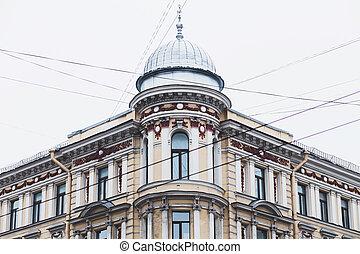 windows, en, el, edificio viejo