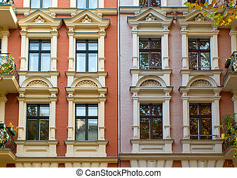 windows, közül, két, város épület