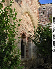 Windows, Village of Penne-Agennais