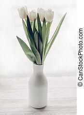 windowsill, na moda, madeira, tulips, espaço, light., primavera, vaso, rústico, conceito, texto, minimalistic, elegante, branca, manhã, macio, olá