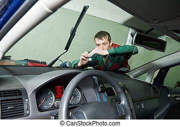 Windscreen repair - Automobile glazier repair windscreen or...