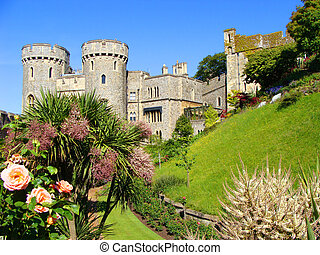 Windsor Castle, England - View of Windsor Castle and its...