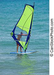 windsurfer, mit, hell, grün, segel