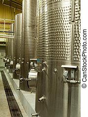Wine fermenting tanks - Stainless steel fermenting tanks in...