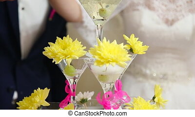 Wineglasses pyramid wedding - Empty wineglasses pyramid on...