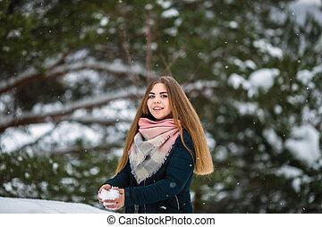 winter., χιόνι , καταπληκτικός , πορτραίτο , κορίτσι , παίξιμο
