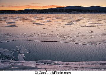 Winter at Abraham Lake