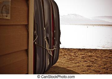 winter beach boats 3