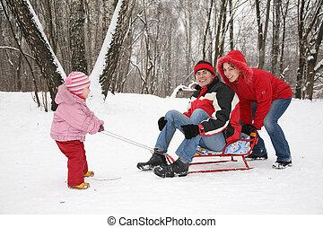 winter, familie, clipart kinderschlitten